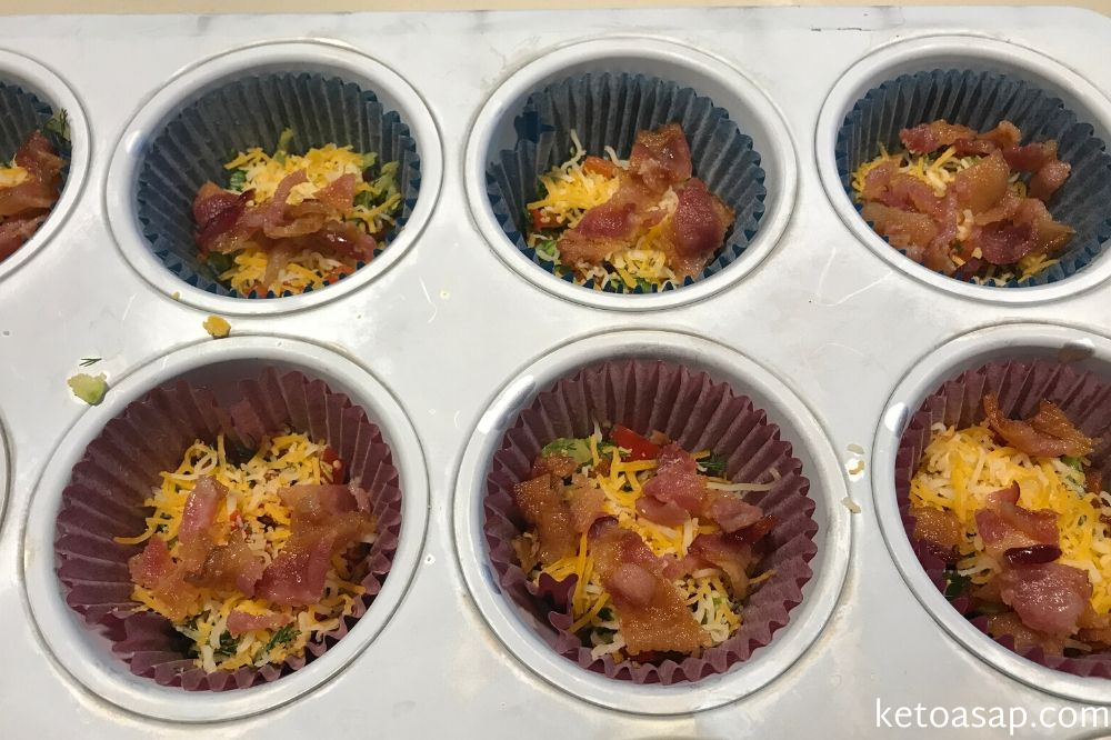 bake zucchini breakfast muffin