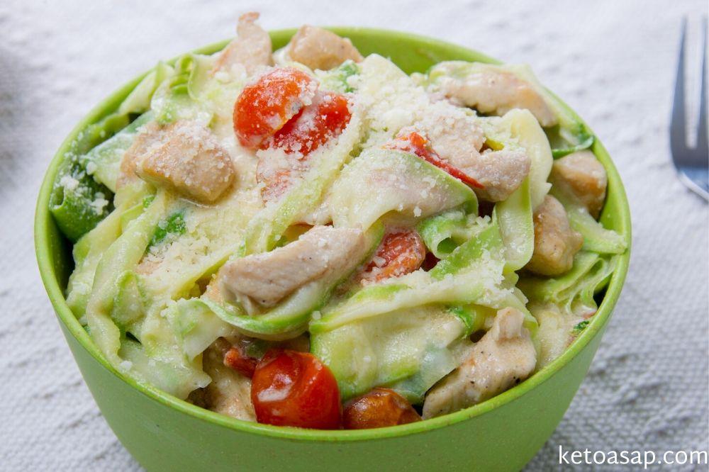 serve creamy tomato basil zucchini linguini