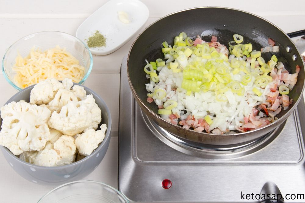 cook vegetables and cut cauliflower