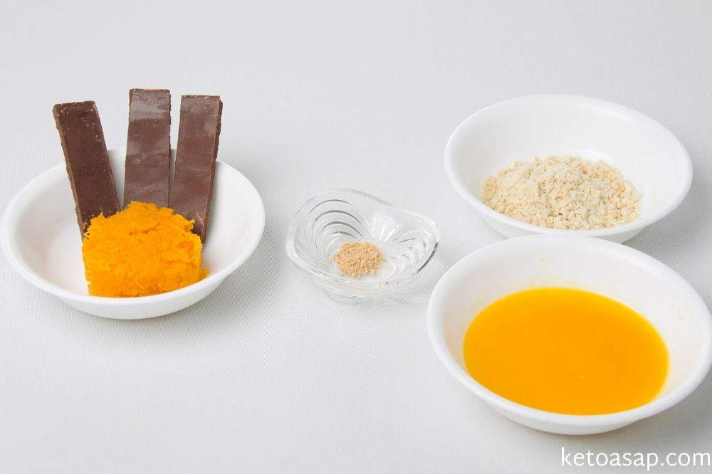 ingredients of pumpkin chocolate fatbombs