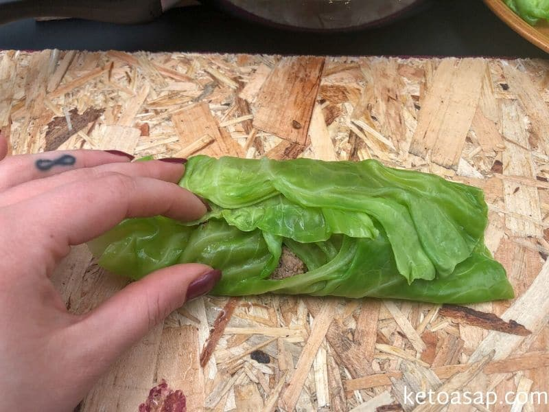 roll stuffed cabbage leaf