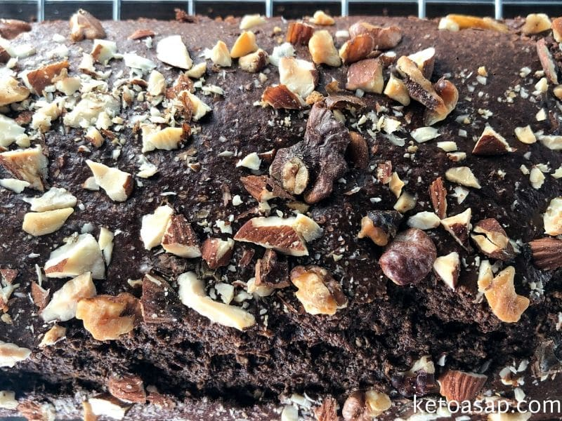 bake chocolate banana bread