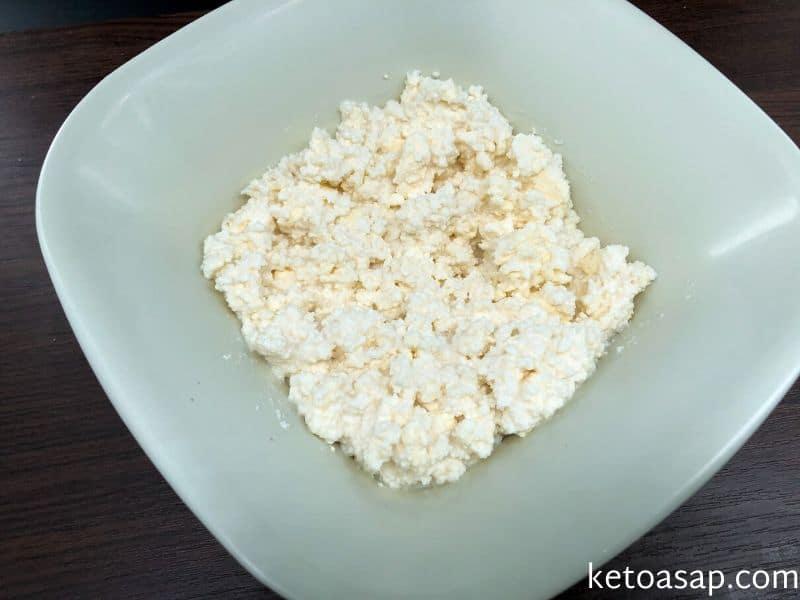 combine ricotta cheese butter